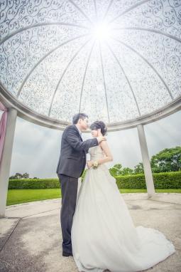 婚禮紀錄-海外婚紗-藝人指定-國內婚紗拍攝-微電影拍攝-婚禮錄影-平面攝影師-台中知名婚紗攝影